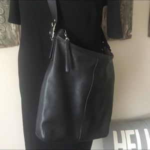 Coach leather classic cross-body shoulder hobo bag